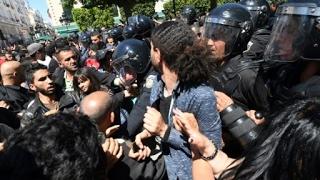 تونس: مقتل متظاهر خلال مواجهات مع قوات الأمن في تطاوين جنوبي البلاد