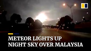 Meteor lights up nighttime sky over Malaysia