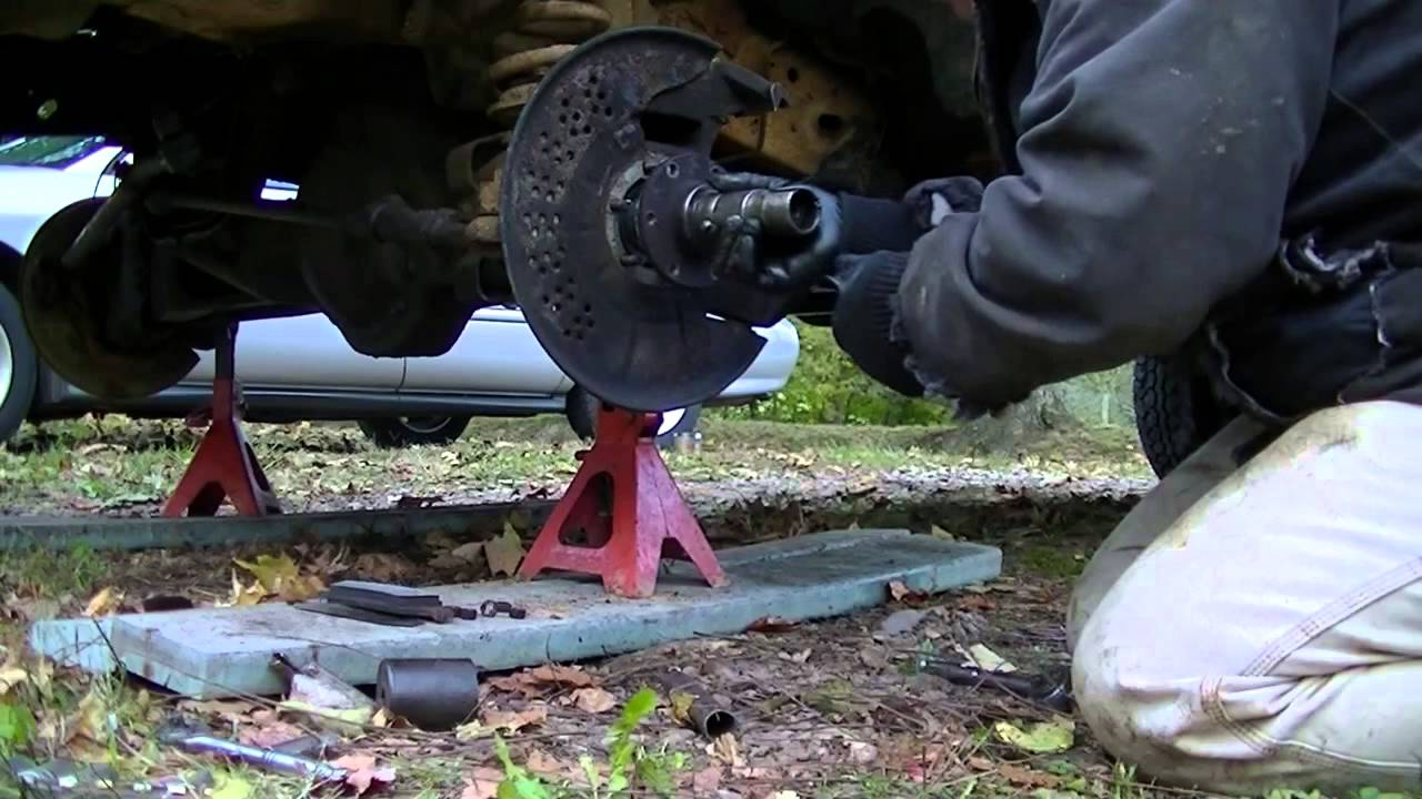 1989 Ford F 150 4x4 Front Axle Removal : Red f front axle universal joint replacement youtube