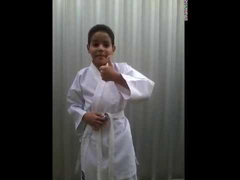 Karate Criança Ensina Como Amarrar A Faixa Youtube