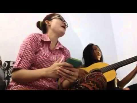 Sandiwara cinta live acoustic cover nella kharisma