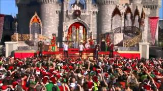 The Wanted - Santa Claus Is Coming To Town (Disney Parks Christmas Day Parade 2013)