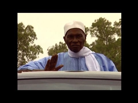 Abdoulaye Wade: Senegal's tenacious leader clings to power