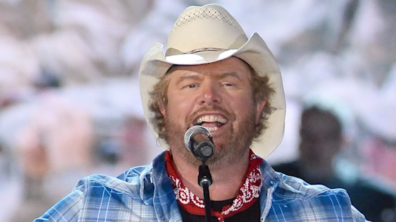 13 Patriotic Country Songs That Make Us Proud to Be American