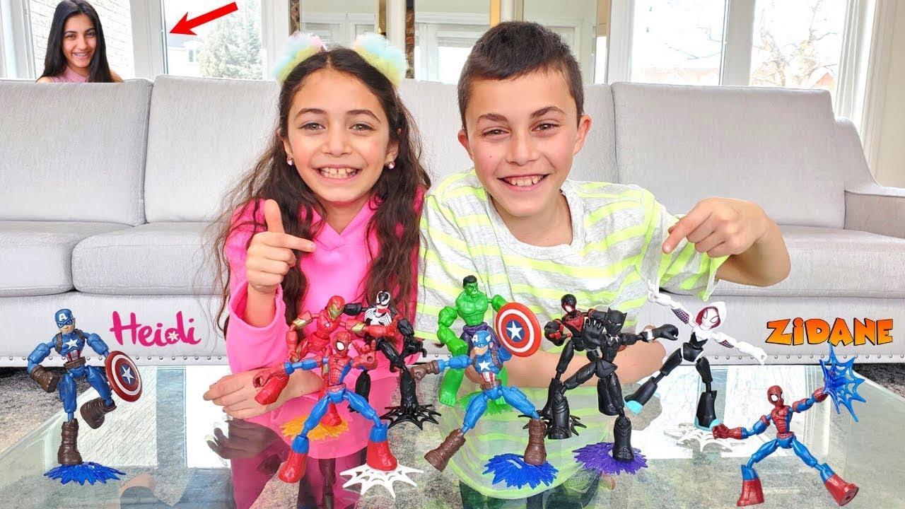 Heidi dan Zidane sedang mencari mainan superhero di rumah