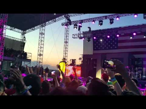 Andy Mineo - Know That's Right (Live)