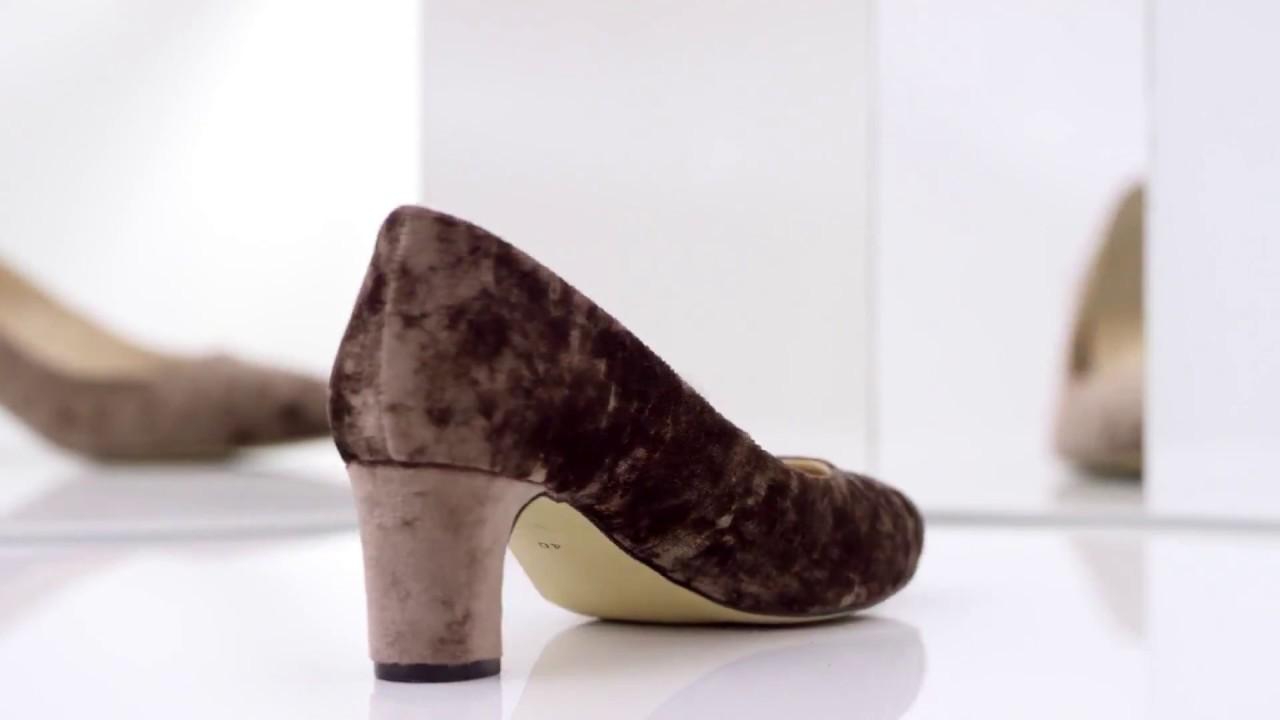 Босоножки на каблуке черные замшевые grado.Коллекция обуви лето .
