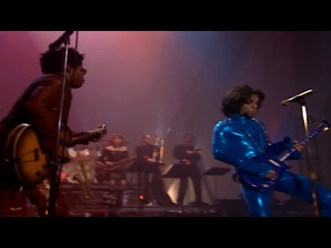 Lenny Kravitz  &  P(r)in(c)€ - American Woman (The Guess Who Tribute)