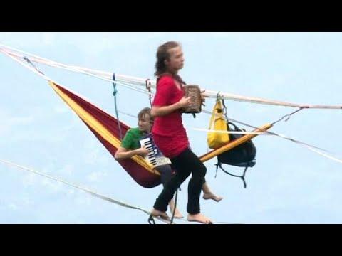 بالفيديو...عرض موسيقى فرنسي في الصين على ارتفاع 1400 متر  - نشر قبل 11 ساعة