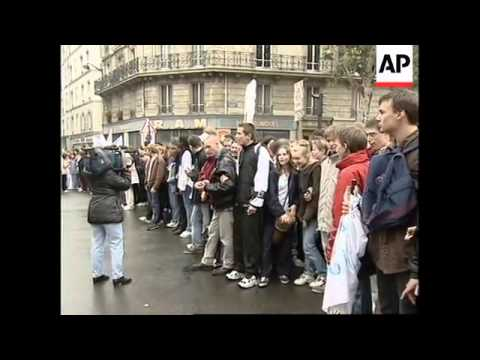 FRANCE: HIGH SCHOOL STUDENTS STAGE PROTESTS
