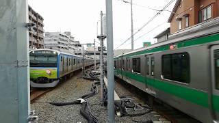 【祝相鉄JR直通運転開始】E233系7000番台と11000系そうにゃんトレイン西谷駅ほぼ同時到着