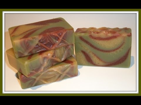 Soap making using natural colourants