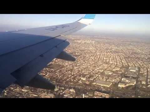 BOEING 737-700 JET LANDING BUENOS AIRES