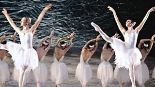 Tchaikovsky Swan Lake Act 2 (Чайковский Балет Лебединое озеро)(Pyotr Ilyich Tchaikovsky (Пётр Ильич Чайковский) Swan Lake Act 2 Балет Лебединое озеро. No copyright intended., 2011-09-20T12:29:34.000Z)