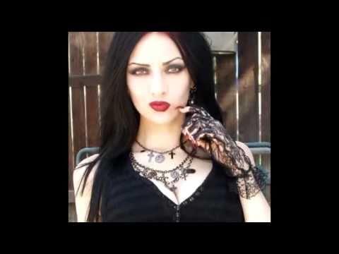 Gothic Girls 2