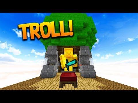 """EVIL GOLDEN STEVE!"" - Minecraft BED WARS Troll with WallStreet!"