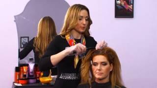 Окрашивание волос в домашних условиях. Мастер-класс(Стилист Екатерина Скрипникова демонстрирует, как окрасить волосы в домашних условиях, и рассказывает,..., 2013-03-05T08:42:21.000Z)