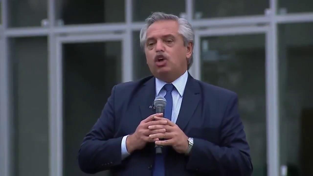 """Fernández: """"Cuando se elige el camino de endeudarse, quedan sin cloacas vecinos de San Francisco""""."""