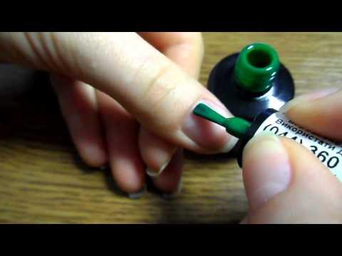 Лак для ногтей зеленый фото