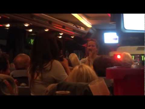 die total verrückte Comedy-im-Bustour direkt live aus Berlin !!!