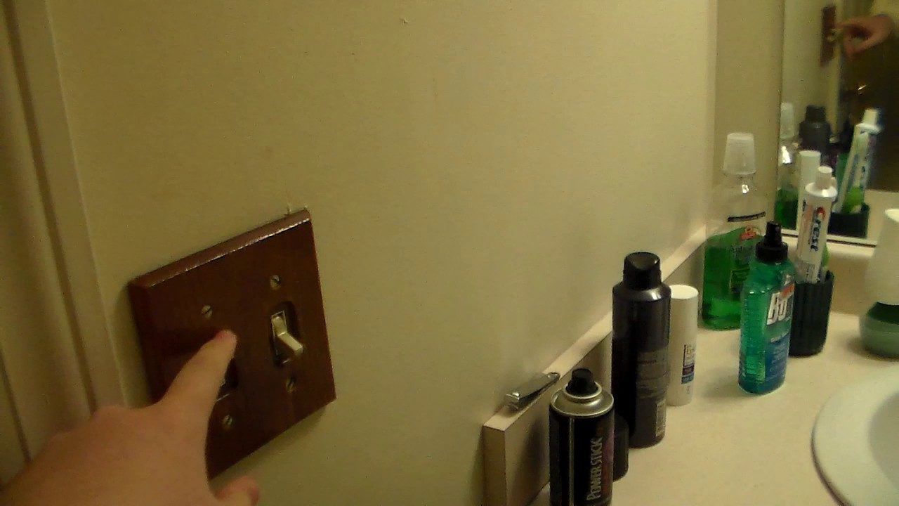 2006 Broan exhaust fan in my apartment bathroom - YouTube