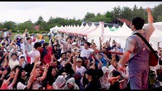 鹿児島で一番人気のあるメロコアバンドBACKSKiDのライブ映像。今年で開催6年目になるWALK INN FES!2019(2019年5月19日)の メインステージでの演奏。 vo/gt: ...