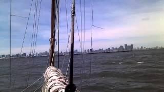 2012年の7月に東京湾マリーナから出港した23ftの木造船です。回り...