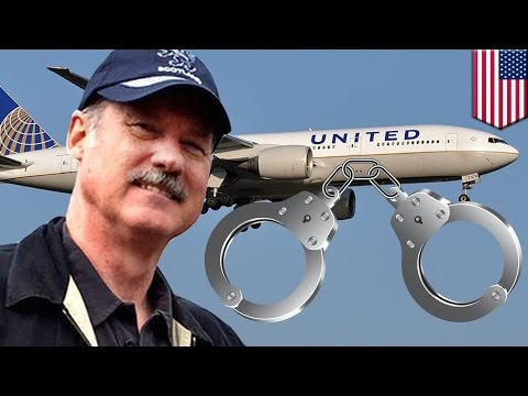 Thumbnail: United Airlines handcuffs: First-class passenger threatened with cuffs to leave plane - TomoNews