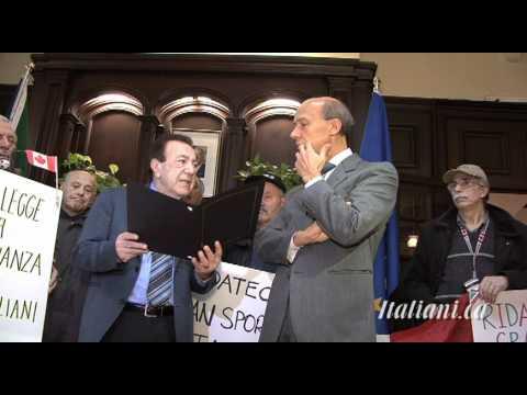 Protesta al Consolato Generale di Toronto contro i tagli di RAI International