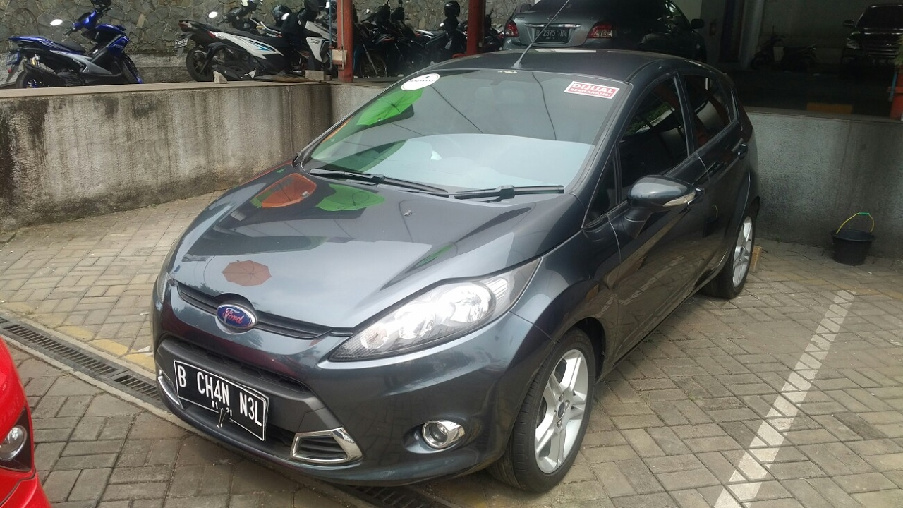 In depth tour ford fiesta 1 6 s 2012 indonesia