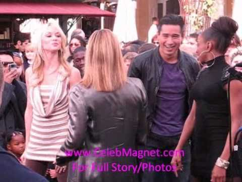 Burlesque Dancers Teach Mario Lopez Of Extra How To Dance
