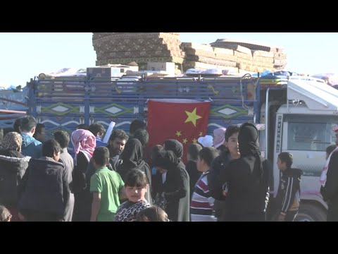 Chinese Volunteers Provide Syrian Refugees with Relief Goods