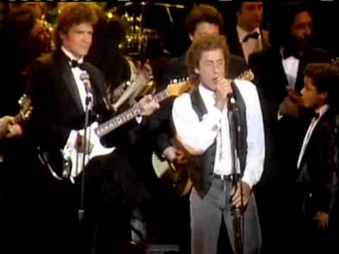 The Who perform at Rock and Roll Hall of Fame and Museum inductions 1990