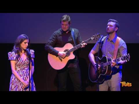 "Justin Timberlake and Anna Kendrick perform ""True Colors"""