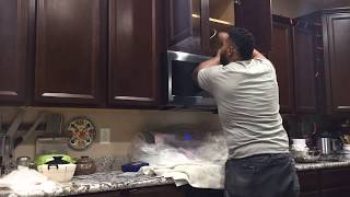 TIME LAPSE - Microwave oven removal and installation