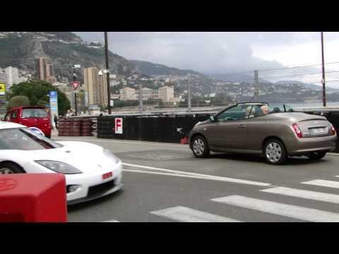Woman SCARED by Koenigsegg CCX in Monaco