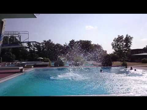 Freestyle Turmspringen - Bredstedter Schwimmbad - YouTube