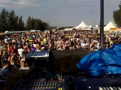 Public Domain LIVE @ DefQon 1 (Sydney  - Oz) (September 2009) playing 'Seperate Your Senses'