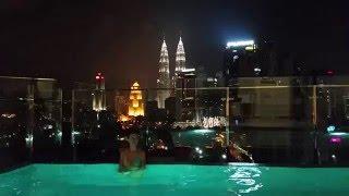 Петронас. Башни петронас Куала-Лумпур Малайзия. Бассейн на крыше.(Петронас. Башни петронас Куала-Лумпур Малайзия. Бали, Сингапур, Малайзия Весь Плейлист: https://www.youtube.com/watch?v=KFTKu..., 2016-05-19T06:55:12.000Z)