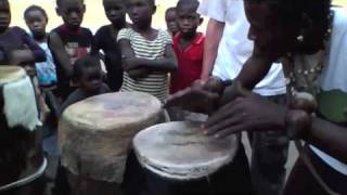 Ngoma, percussions africaines, mini-concert Brazzaville Congo