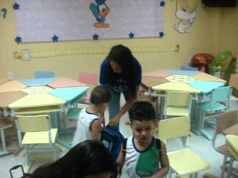 1º dia de aula no Maternal - YouTube