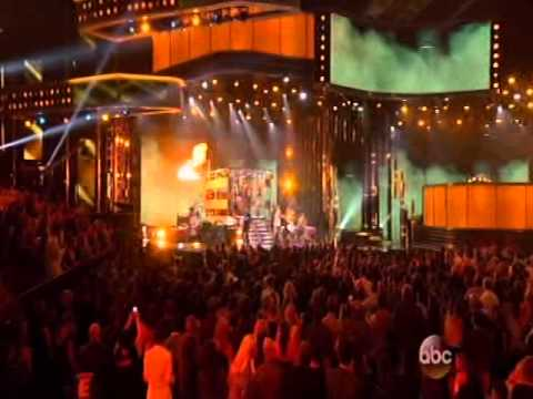 Florida Georgia Line & Luke Bryan   This Is How We Roll on 2014 Billboard Music Awards