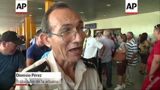 Cuba restringe multimillonario flujo de articulos de consumo en equipajes de pasajeros