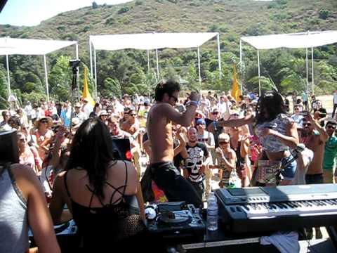 Posso - Gypsy Love - Live at Pacific Festival