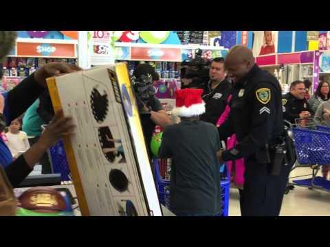 Andre Johnson Pays for Houston-area Kids
