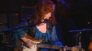 "John Lee Hooker and Bonnie Raitt play ""I"
