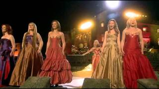 Celtic Woman - You Raise Me Up (and Concert Closing, live at the Slane Castle)