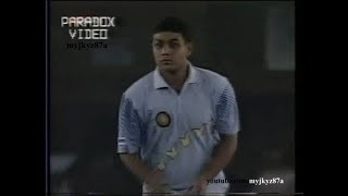 *FULL OVER* Young Virender Sehwag SMASHED by Ijaz & Inzamam in his 1st ODI - Mohali 1999