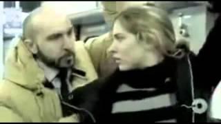 Homem acaba encoxando mulher no metro e tem um efeito inesperado - comercial bem criativo