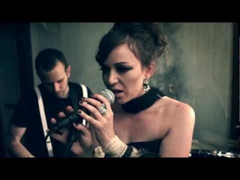 """Melinda Ortner ft. Lucent Dossier - """"Strangers"""""""